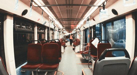 Jak zorganizowany jest transport publiczny w Holandii?